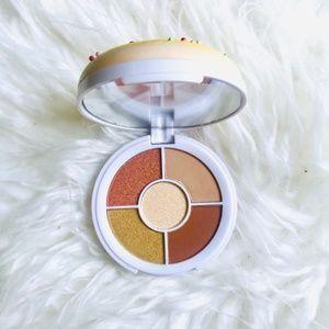 i love revolution donut eyeshadow palette yellow shimmer